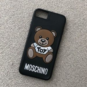 Moschino IPhone 8 Case 🐻